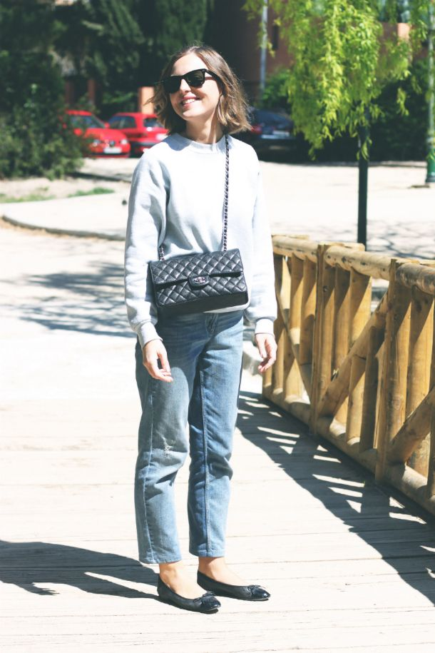 Claudie Pierlot jeans, Chanel flats and bag.