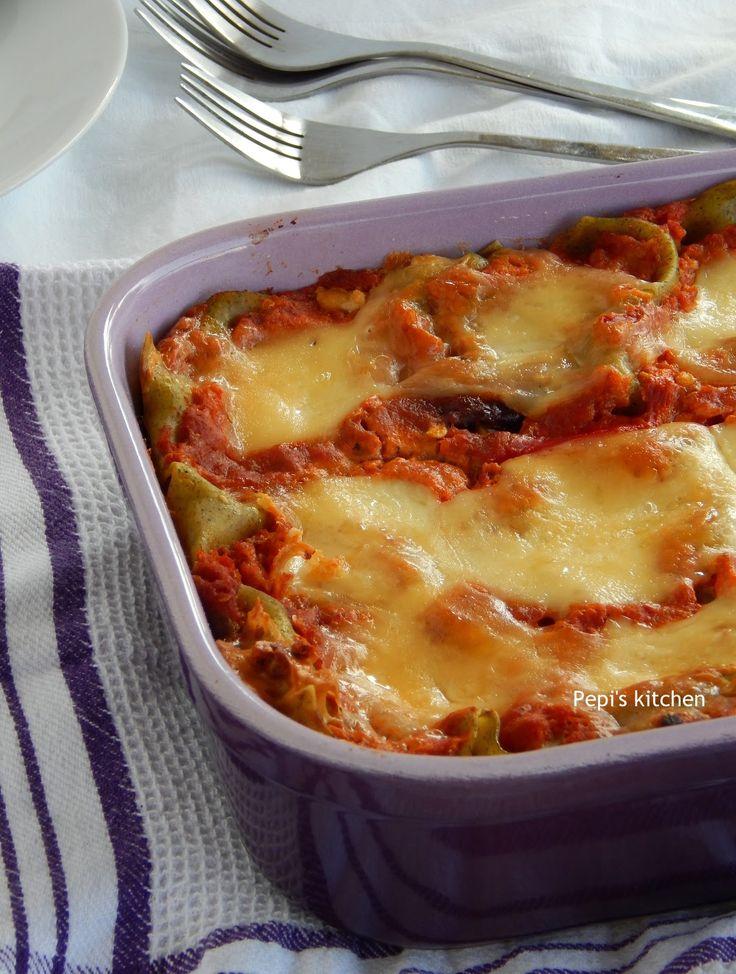 Λαζάνια με Σάλτσα Λαχανικών http://www.pepiskitchen.blogspot.gr/2014/10/lazania-me-saltsa-lachanikon.html