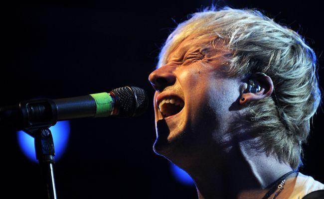"""Ab Freitag ist das neue Album der finnischen Band Sunrise Avenue im Handel erhältlich. Im Interview spricht Sänger Samu Haber über die dünne Linien zwischen Schlager und Pop und warum es vier Jahre bis zur neuen Platte """"Heartbreak Century"""" dauerte."""