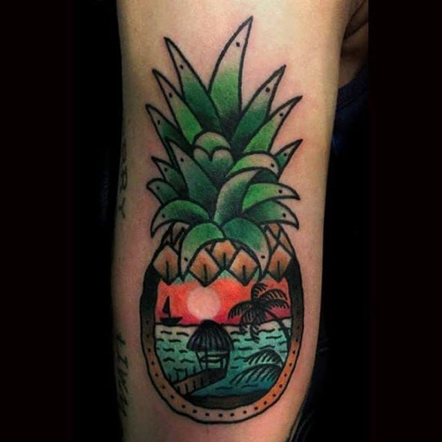 Ananas tattoo
