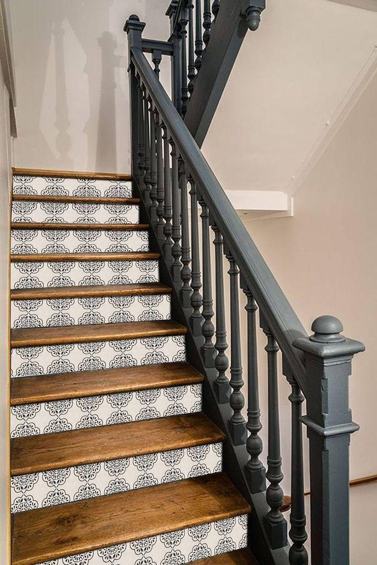Fantastisches Muster Verbunden Mit Dunklen Farben Treppe Streichen Treppe Ideen Treppenhaus Dekorieren Treppe Erneuerung