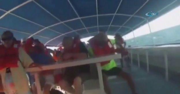Kostarika'da Tur gemisi alabora oldu