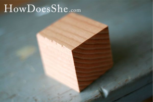 10 Things to do with a block! #HowDoesShe #2x4crafts #HDS howdoesshe.com