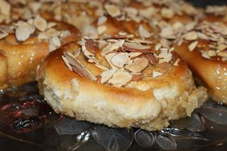 Little Bit of Everything: Sticky Buns With Toasted Almonds - SMS