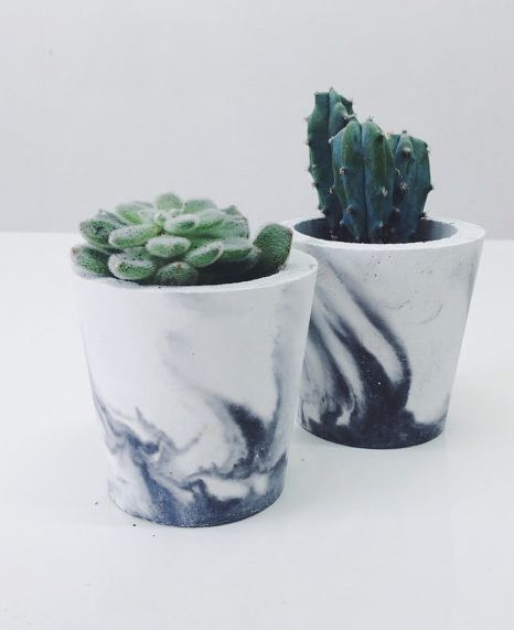 Marbled succulent pots (sortlondon on etsy)