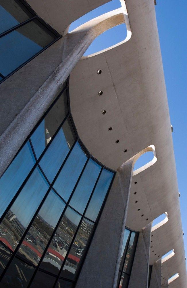 Eero Saarinen - Dulles International Airport - Sterling, Virginia
