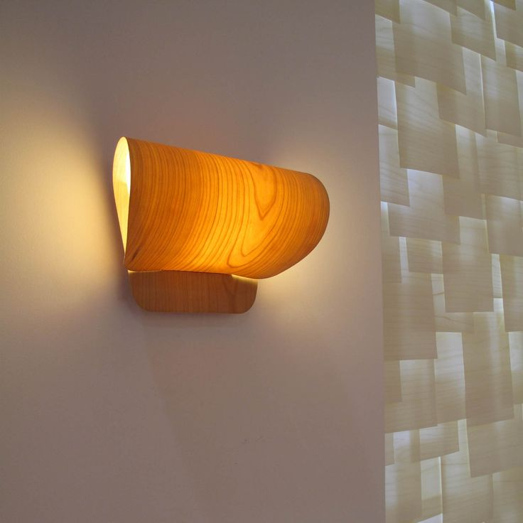 The Spanish design studio Yonoh is responsible for the design of the  Pleg lamp for LZF. The Pleg wall lamp was born from a simple idea: the bending a Polywoodᆴ veneer. The lampshades are available in 9 different wood veneer finishes. Home, contract, hospitality.