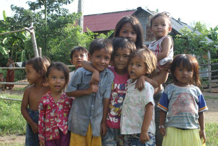 Les enfants de Kampong Cham - www.worldwildbrice.net