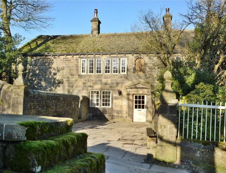 """Ponden Hall The House That Inspired """"Wuthering Heights"""