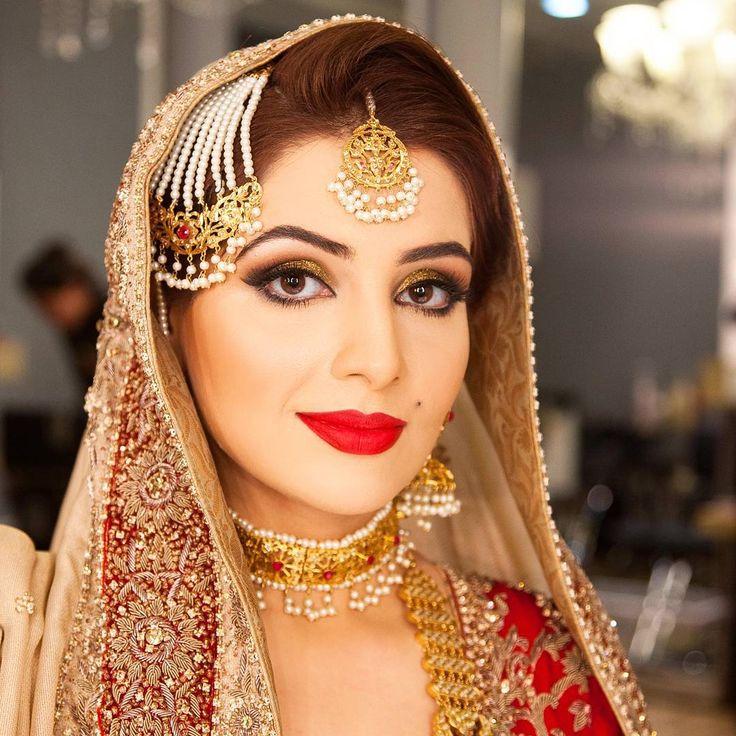 """""""Nida fatima Makeup : Maram azmat @maramazmat Hair: Sonia p #maramaabroosignaturebrides #maramaabroo #maramaabroosalon #maccosmetics #rubywoo #bride…"""""""