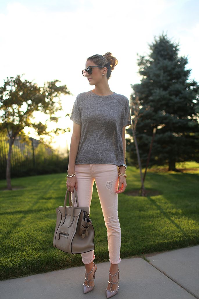 nice outfits with light pink pants