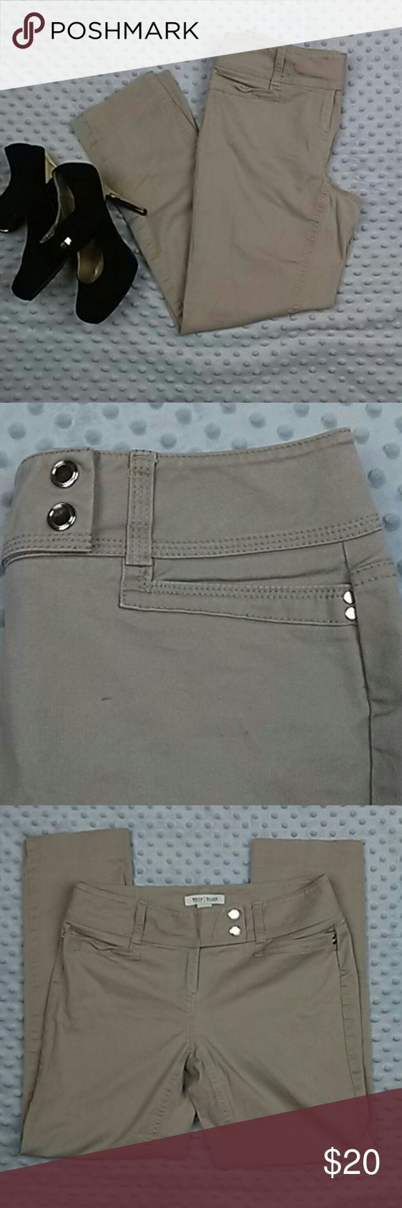 White house black market khaki capris size 2 White house black market khaki capris. Size 2. Snap closures. Color may vary. Great condition White House Black Market Jeans Ankle & Cropped