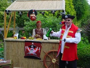 Piraten Themafeest Cocktail Bar, DJ en Fotoshoot https://www.funenpartymatch.nl/piratesofthecaribbean.php