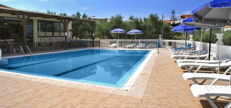 Kozanos II Hotel | Amoudi The Kozanos II Hotel Complex is the perfect choice for relaxing summer holidays in Amoudi.