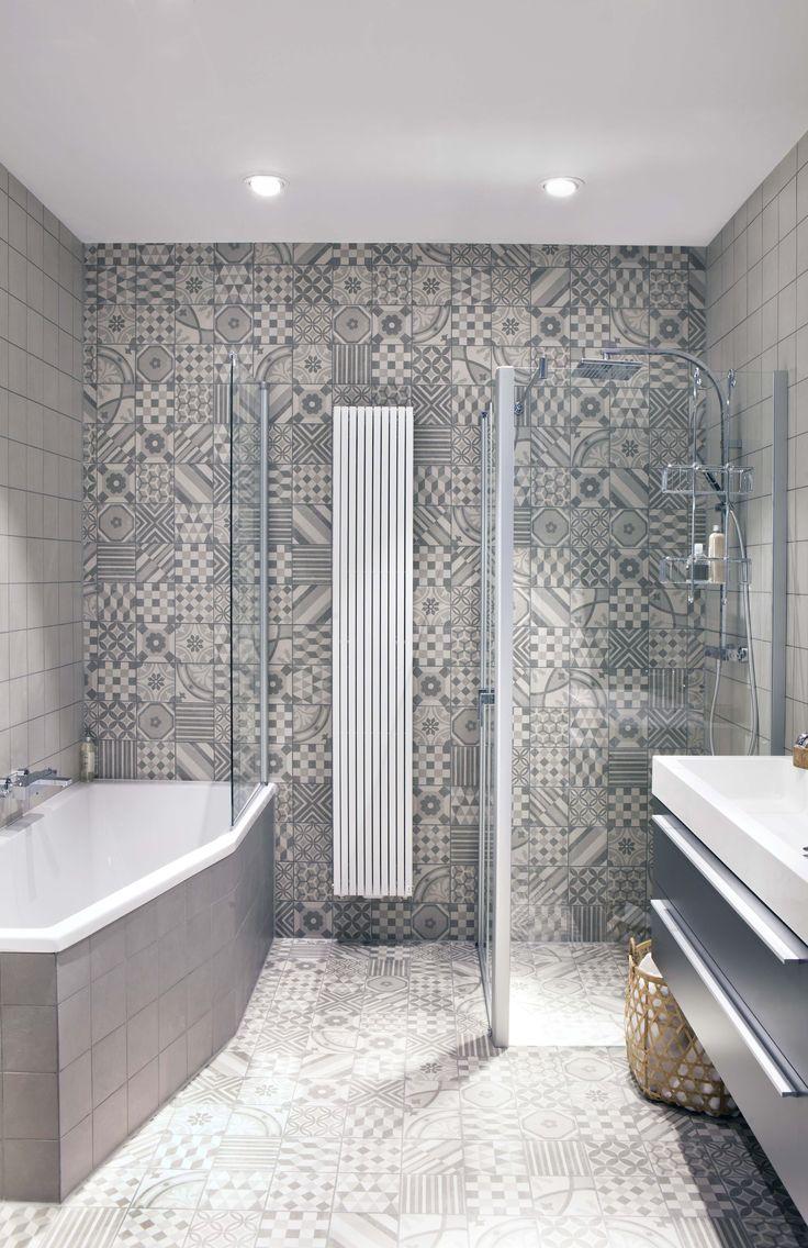 Een nieuwe trendy badkamer in de showroom met een aantal slimme sanitair producten voor de kleine badkamer! http://bit.ly/2eeiuZK