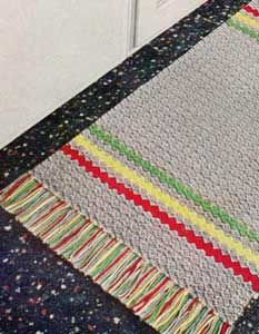 The Gray Rug With Stripes...free pattern! ✿⊱╮Teresa Restegui http://www.pinterest.com/teretegui/✿⊱╮