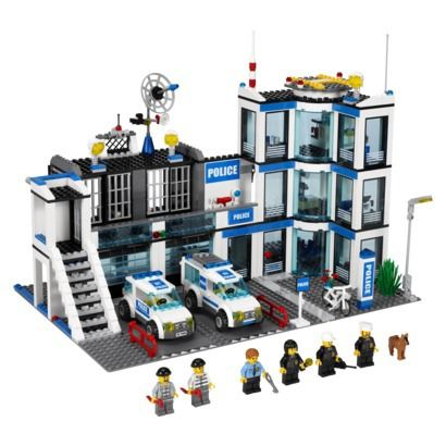 The Top Lego Toy Sets For 2013-Lego City Police station-Stop the prisoners from escaping the police station through the pipe drain! They won't get far on foot. Use the police car to chase them down and transport them back to prison in the police van. Help keep Lego city safe with this feature-packed set! Price $71.99 MORE INFO: http://www.everythingkids.co/the-top-lego-toy-sets-for-2013/