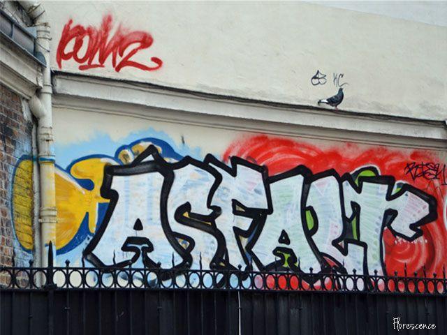 Street art in Paris, France, (c) Floresence