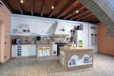 reinterpretazione della cucina in muratura in chiave moderna con ...