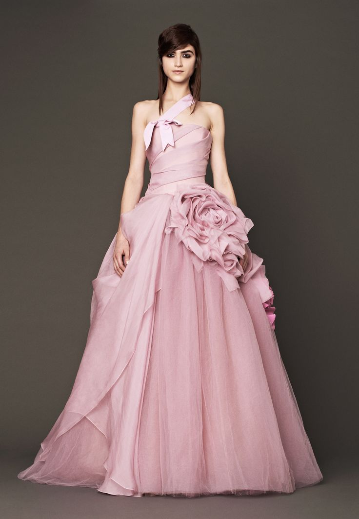 14 best vera wang images on Pinterest | Wedding frocks, Homecoming ...