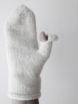 Texting thumb -  a thing to remember when you knit your next mittens