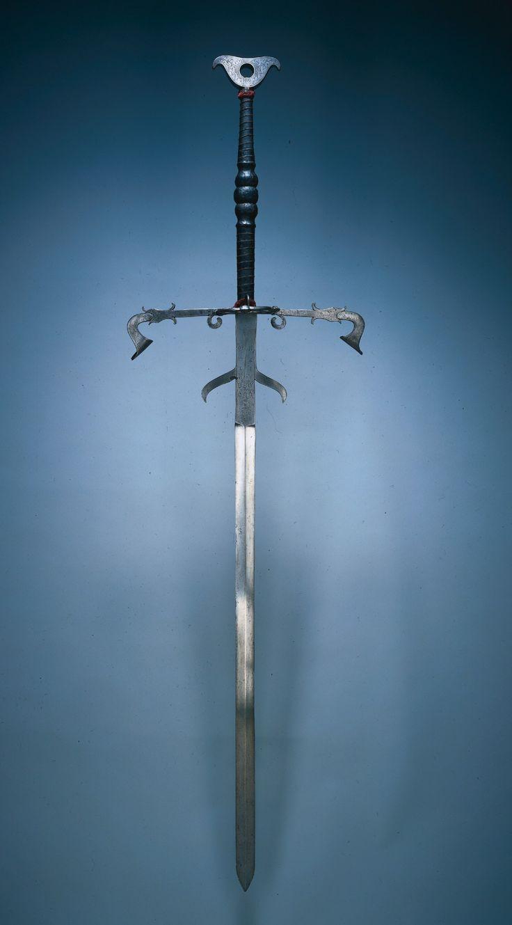 Zweihander Sword 22 best Zweihander ins...