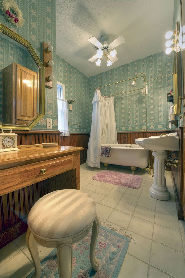 Photographic Gallery Bathroom Makeovers on a Budget the Considerable Prices for Enhancing Your Bathroom Pretty Southern