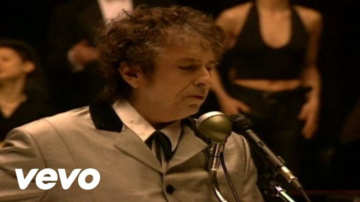 Bob Dylan - Love Sick Bob's singing through a Shure Green Bullet mike---Harp Players favorite.