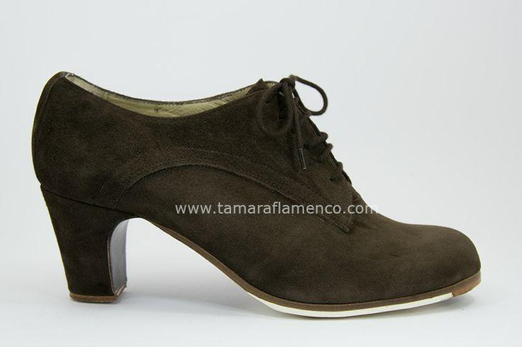 https://www.tamaraflamenco.com/es/zapatos-de-flamenco-profesionales-4 Zapato profesional de flamenco Begoña Cervera Modelo Blucher ante
