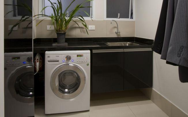 Ordem e mais espaço na lavanderia - Arquitetura - iG