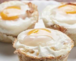Muffin oeuf, bacon et cheddar pour petit déjeuner spécial régime chrono-nutrition