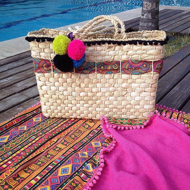 Modelo novinho, saído do forno, já disponível em nossa loja virtual!!! A nossa Bolsa de Palha Joatinga , prontinha, esperando por você!!! Adquira a sua em até 6x sem juros no cartão!!! www.lindamoliva.com.br - enviamos para todo o Brasil  #lindamoliva #euusolindamoliva #bolsadepalha #bolsadepraia #bolsacustomizada #ibizabeachbag #bag #bolsadodia #modapraia #praia #moda #look #lookdodia #canga #cangadepraia #cangaatoalhada #cangatoalha