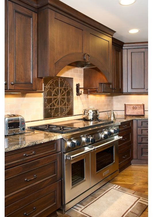 Kitchen design ideas kitchen design gallery somrak for Chocolate kitchen cabinets with stainless steel appliances
