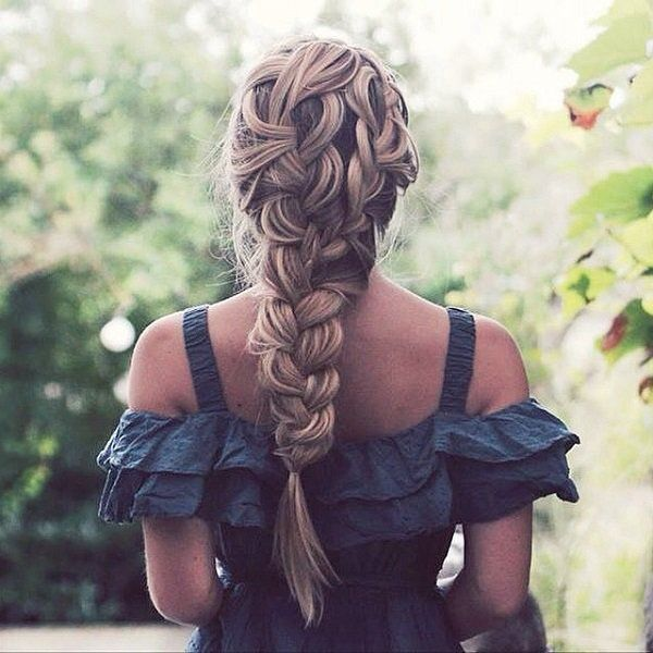 It's always a wonder how a messy hairstyle could actually make you look classy but it has been the case with buns and now with braids.
