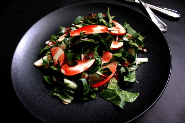 Mangold-Apfel-Salat mit Himbeervinaigrette von Brutzelmania