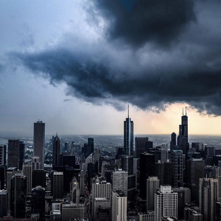 The National Weather Service has issues a Severely Awesome View Watch for the 94th floor.  #360chicago #chicago #storms . . . #mychicagopix #chitecture #artofchi #trib2017 #insta_chicago #illgrammers #exploreillinois #abovechicago #passionpassport #chicagogram #chigram #wonderlust #flippinchi #chicagogrammers #instagood #cityscape #views #wu_chicago #artofvisuals #way2ill #likechicago