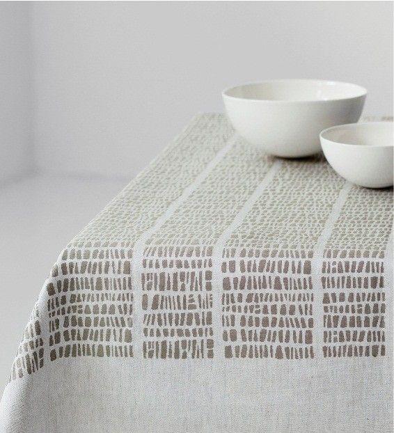 KAARNA Linen Tablecloth / Dora Jung (1964). Prod by Laupan Kankurit, Finland.