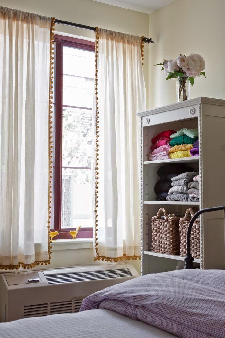 Minha cortina repaginada com pompons - Super fácil de fazer!