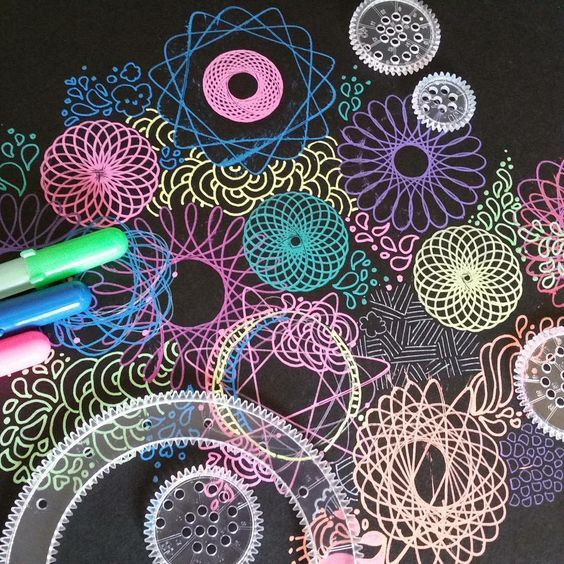 I've been fascinated by Spirograph designs since I was a kid. I love the cool symmetrical way they look. #Spirograph #art #creative