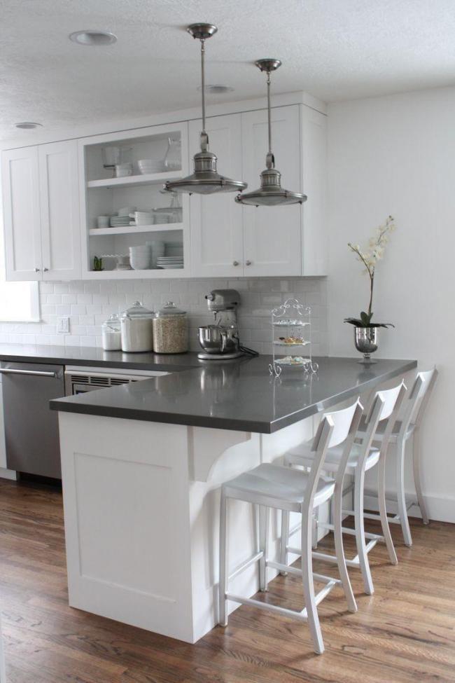 Inspiring Quartz Countertop In A White Kitchen Ideas