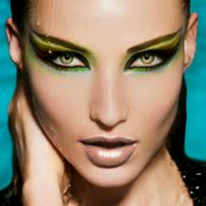 Best 25+ Medusa makeup ideas on Pinterest | Medusa costume makeup ...