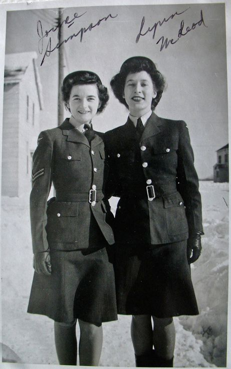 Joyce Simpson and Lynn McLeod, members of the RCAF Women's Division, at RCAF Centralia, Ontario, probably in 1943 or 1944. For more: www.elinorflorence.com/blog/rcaf-women-photographer