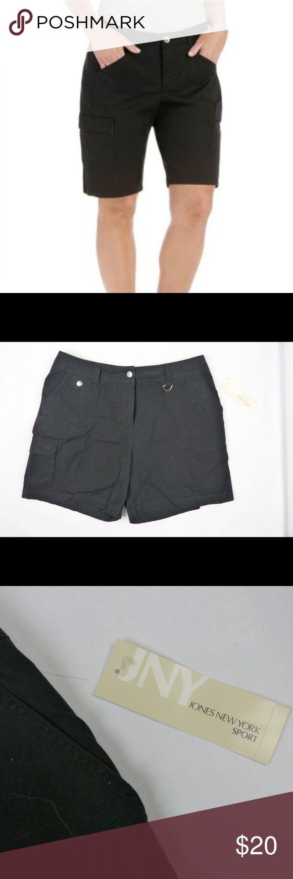 "NWT JONES NEW YORK Black Cargo Short Size 14 NWT JONES NEW YORK Black Cargo Short Size 14 Cotton 11.5"" rise 17"" across the waist  6.5"" inseam Jones New York Shorts Cargos"