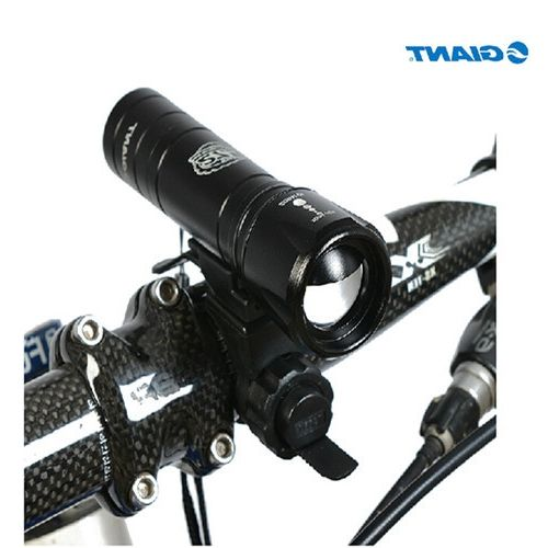 26.99$  Buy here - https://alitems.com/g/1e8d114494b01f4c715516525dc3e8/?i=5&ulp=https%3A%2F%2Fwww.aliexpress.com%2Fitem%2FGIANT-Bike-Bicycle-Light-Frontlight-Front-Lamp-Torch-Flashligh-With-Bracket-Mountain-Bike-Lights-Outdoor-Flash%2F2026846022.html - GIANT Bike Bicycle Light Frontlight Front Lamp Torch Flashligh With Bracket Mountain Bike Lights Outdoor Flash Black 26.99$