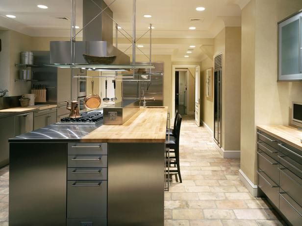 Van Tullis Kitchen Focuses on Stainless SteelEntertainment Kitchens, Dreams Kitchens, Kitchens 24, Gourmet Kitchens, Kitchens Layout, Open Kitchens, Eclectic Kitchens, Cocina Kitchens, Stainless Steel
