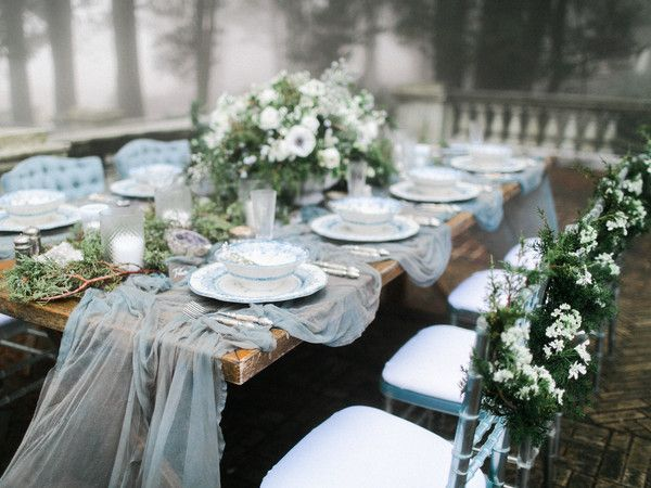 MAGNOLIA ROUGE // Stunning winter wedding inspiration in the fog   Silk and Willow