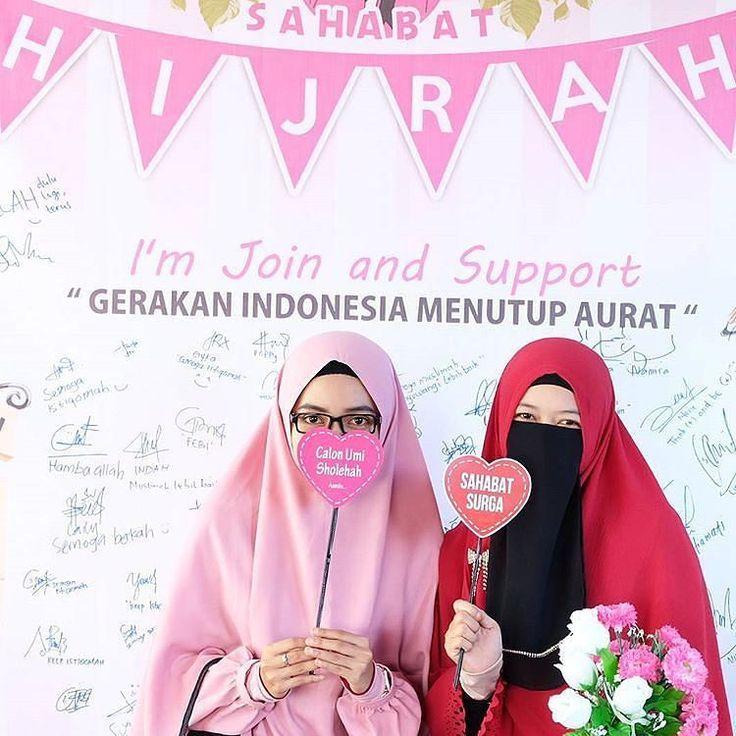 "Ayoo Dukung #Gerakan #IndonesiaMenutupAurat Bersama Majelis @TausiyahCinta_ Di Support Oleh Yayasan @CintaDakwahID .  Kirimkan Photo Dukunganmu Dengan Tulisan ""Saya Mendukung Gerakan @IndonesiaMenutupAurat "" .  Follow @IndonesiaMenutupAurat  Follow @IndonesiaMenutupAurat  Follow @IndonesiaMenutupAurat  .  Tag  Sahabatmu Di Kolom Komentar .  Photo Kiriman Ukhti @shellyamadi #Hijab #Hijrah #MenutupAurat #GerakanMenutupAurat #Gemar #Gemar2017 #Muslimah http://ift.tt/2f12zSN"