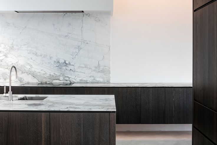 Beautiful minimalist interiors in 1416 Mote by Olivier Caluwier  See more: https://mindsparklemag.com/design/1416-mote-interior/  More news: Like Mindsparkle Mag