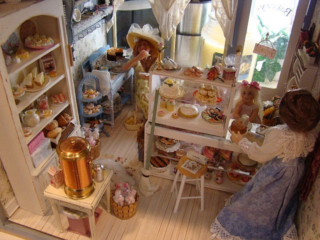 Miniature Buttercup Bakery by It's a miniature life...is playing with clay, via Flickr