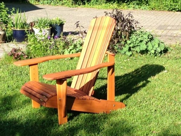 Réalisation d'un fauteuil Adirondack par Keskispass - Bonjour, Je me décide à refaire 2 exemplaires du fauteuil Adirondack réalisé il y a 1 an pour les 75 ans de mon Papounet que vous pouvez voir en photo ... mais cette fois, c'est une commande de Madame...